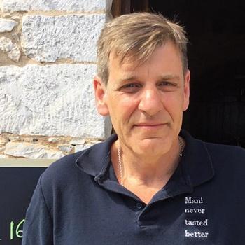 Χρήστος Χειλάς, waiter and gentleman